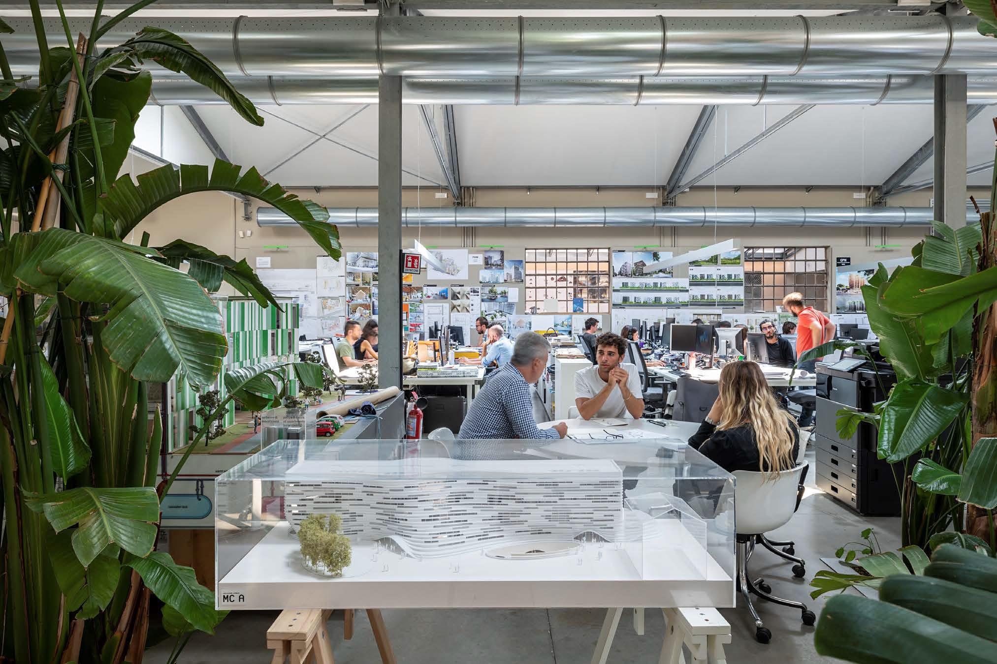 Mario Cucinella Architects: inaugurata la nuova sede a Milano in un ex opificio degli anni 30